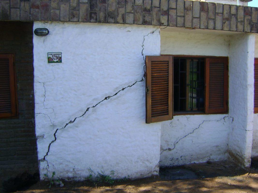 Vivienda con asentamiento o hundimiento